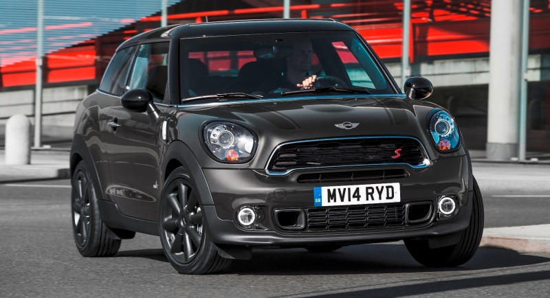 Car-Revs-Daily.com - 2015 MINI PACEMAN LED and Dark Style Updates 19