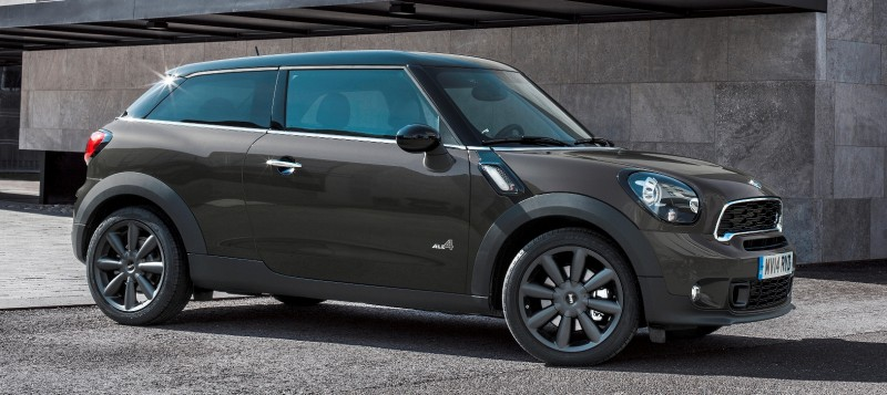 Car-Revs-Daily.com - 2015 MINI PACEMAN LED and Dark Style Updates 2