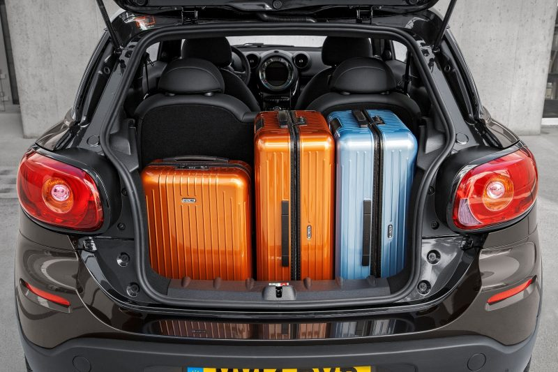 Car-Revs-Daily.com - 2015 MINI PACEMAN LED and Dark Style Updates 27