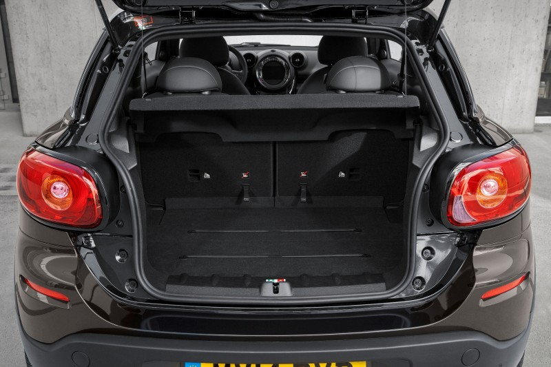 Car-Revs-Daily.com - 2015 MINI PACEMAN LED and Dark Style Updates 28