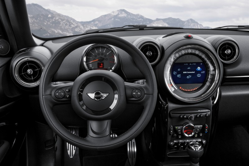 Car-Revs-Daily.com - 2015 MINI PACEMAN LED and Dark Style Updates 30