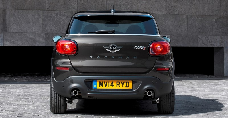 Car-Revs-Daily.com - 2015 MINI PACEMAN LED and Dark Style Updates 5
