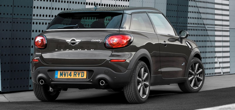 Car-Revs-Daily.com - 2015 MINI PACEMAN LED and Dark Style Updates 8
