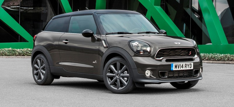 Car-Revs-Daily.com - 2015 MINI PACEMAN LED and Dark Style Updates 9