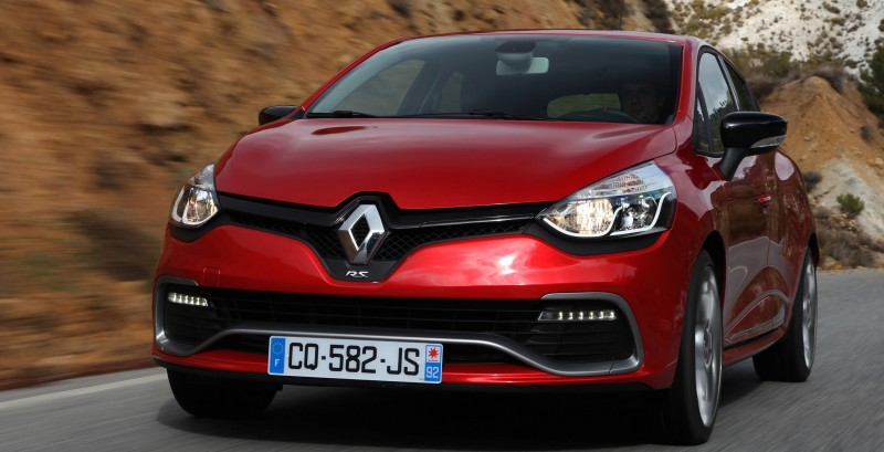 Car-Revs-Daily.com Builds a 2014 Renault Clio RS 200 EDC Lux 47