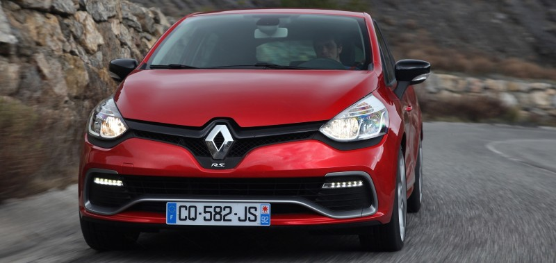 Car-Revs-Daily.com Builds a 2014 Renault Clio RS 200 EDC Lux 48