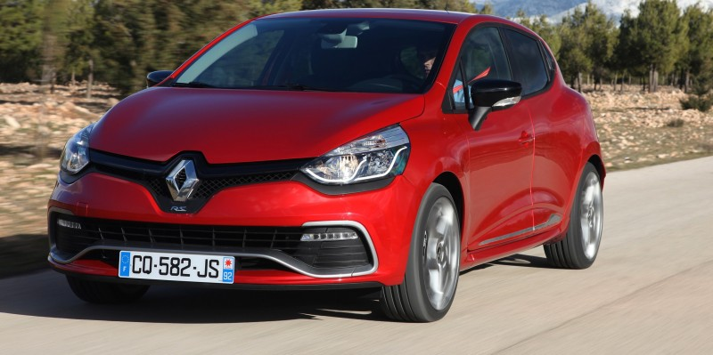 Car-Revs-Daily.com Builds a 2014 Renault Clio RS 200 EDC Lux 49