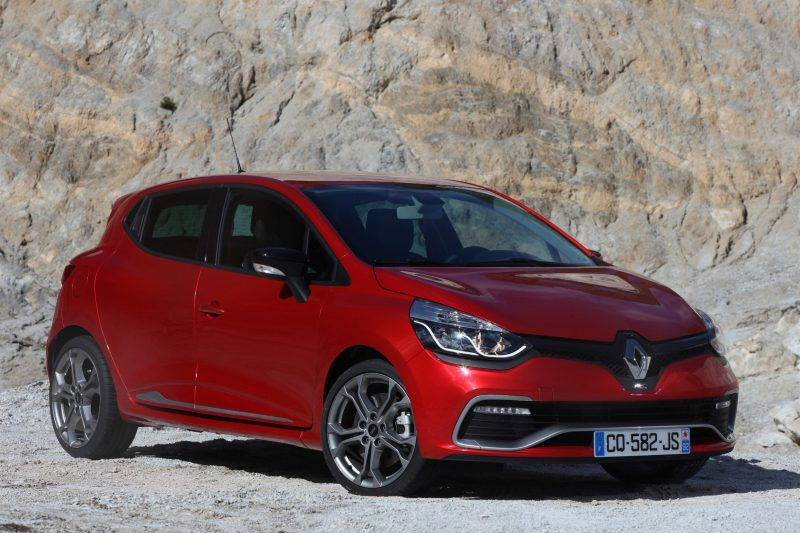 Car-Revs-Daily.com Builds a 2014 Renault Clio RS 200 EDC Lux 53