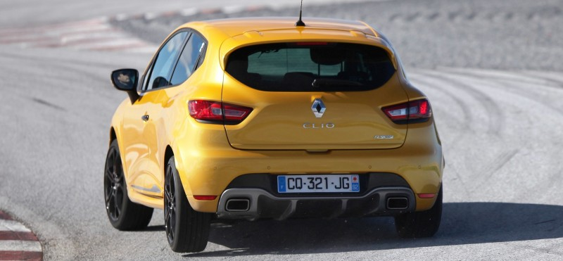 Car-Revs-Daily.com Builds a 2014 Renault Clio RS 200 EDC Lux 62