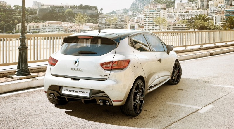 Car-Revs-Daily.com Builds a 2014 Renault Clio RS 200 EDC Lux 63