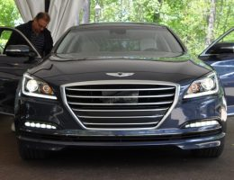 2015 Hyundai Genesis 5.0 V8 Shows Far Better Real-Life Proportions and Cabin Quality Than Expected