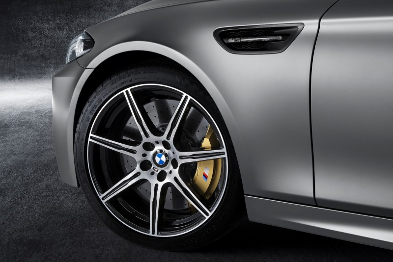 Gone in 3.7s - 30th Anniversary BMW M5 Adds 25 Horsepower, New Steering and New Active M Rear Diff 7