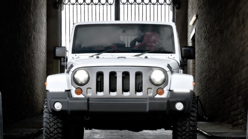 High-Fashion JEEP Upgrades - KAHN Design Shows Sexy New Wrangler Grilles, LEDs, Wheels and Leathers 23