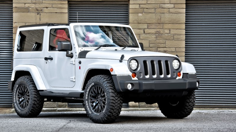 High-Fashion JEEP Upgrades - KAHN Design Shows Sexy New Wrangler Grilles, LEDs, Wheels and Leathers 26