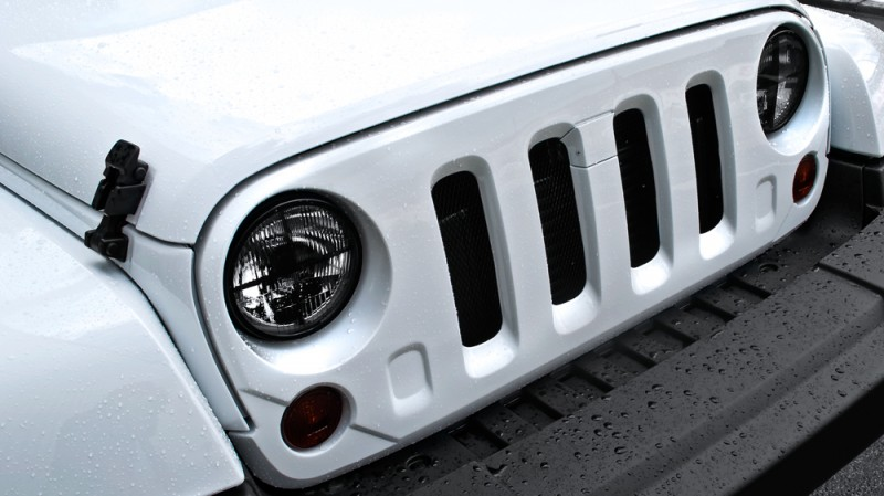 High-Fashion JEEP Upgrades - KAHN Design Shows Sexy New Wrangler Grilles, LEDs, Wheels and Leathers 27