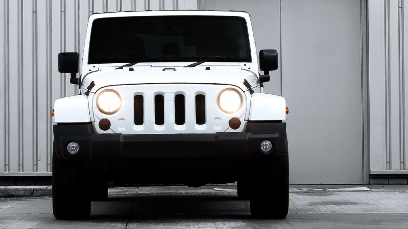High-Fashion JEEP Upgrades - KAHN Design Shows Sexy New Wrangler Grilles, LEDs, Wheels and Leathers 28