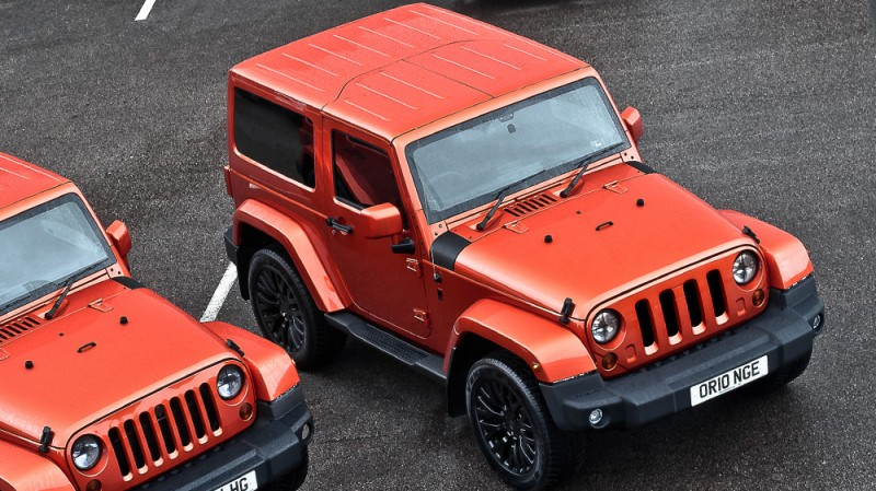 High-Fashion JEEP Upgrades - KAHN Design Shows Sexy New Wrangler Grilles, LEDs, Wheels and Leathers 32