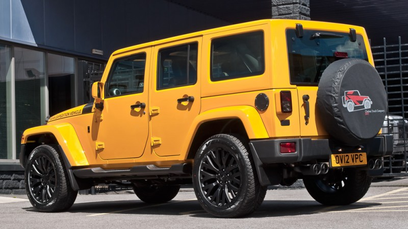 High-Fashion JEEP Upgrades - KAHN Design Shows Sexy New Wrangler Grilles, LEDs, Wheels and Leathers 39