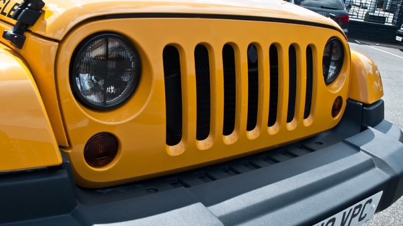 High-Fashion JEEP Upgrades - KAHN Design Shows Sexy New Wrangler Grilles, LEDs, Wheels and Leathers 41