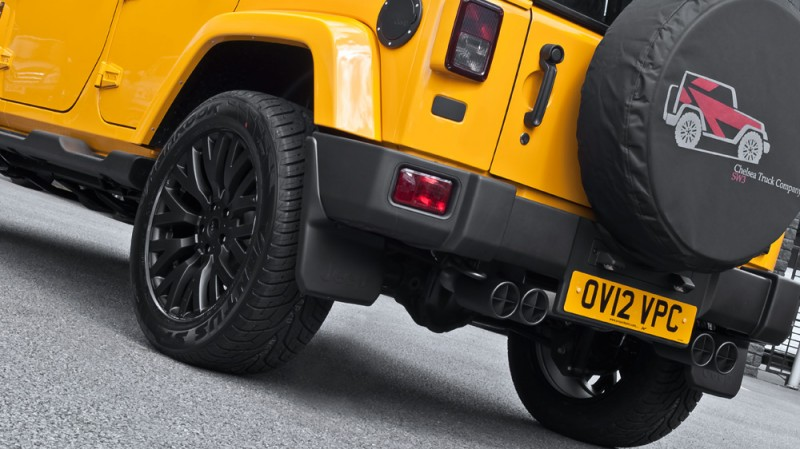 High-Fashion JEEP Upgrades - KAHN Design Shows Sexy New Wrangler Grilles, LEDs, Wheels and Leathers 43