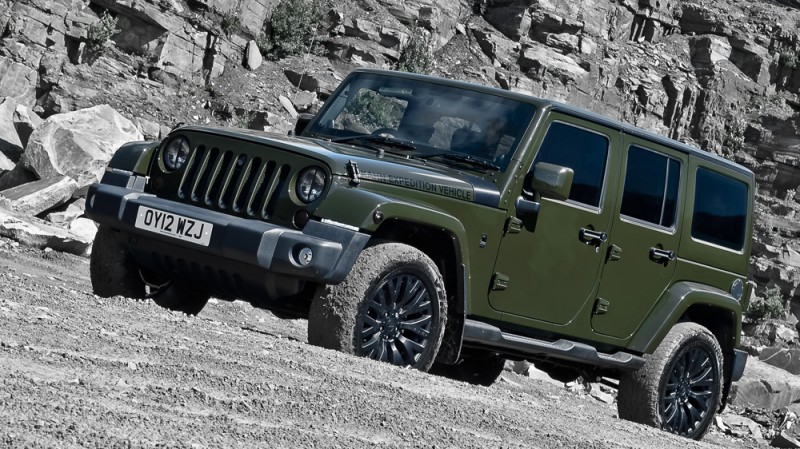 High-Fashion JEEP Upgrades - KAHN Design Shows Sexy New Wrangler Grilles, LEDs, Wheels and Leathers 46