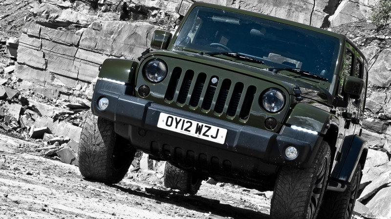 High-Fashion JEEP Upgrades - KAHN Design Shows Sexy New Wrangler Grilles, LEDs, Wheels and Leathers 47