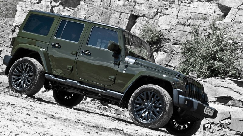 High-Fashion JEEP Upgrades - KAHN Design Shows Sexy New Wrangler Grilles, LEDs, Wheels and Leathers 48