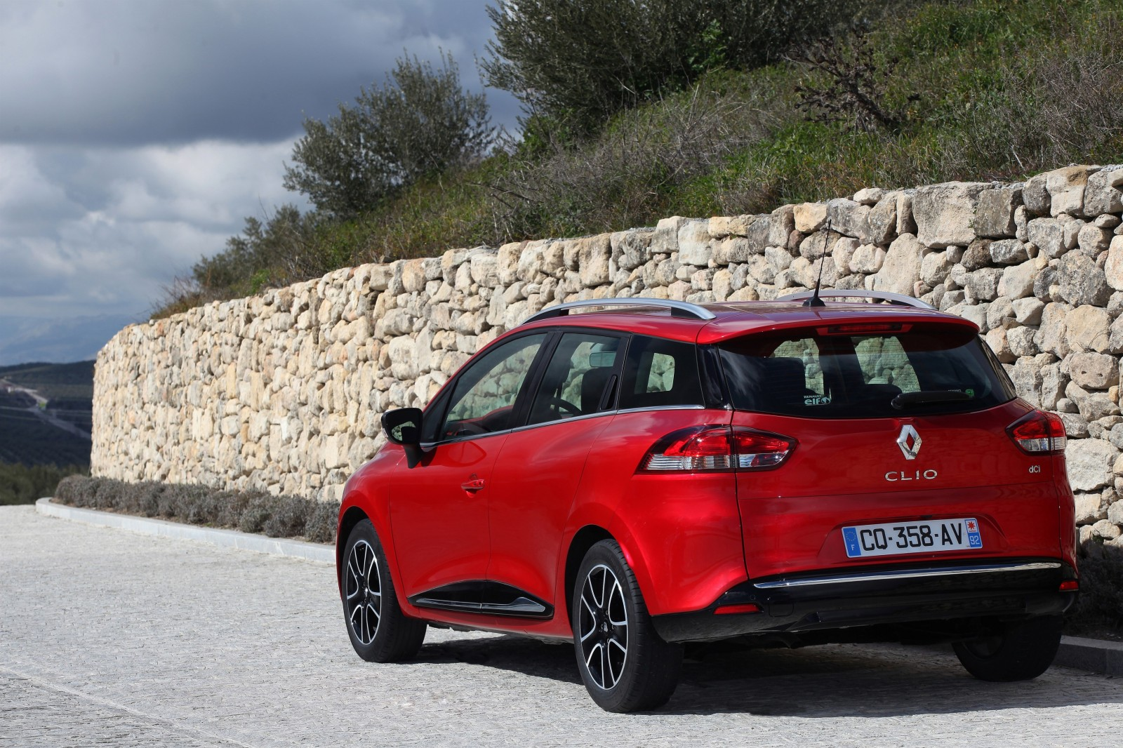 Renault_45384_global_en