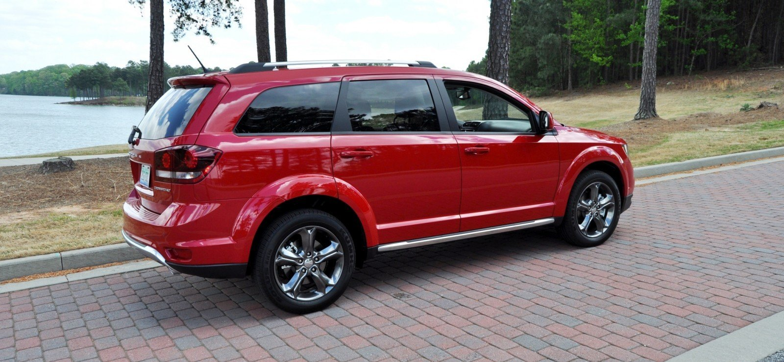 Road Test Review - 2014 Dodge Journey Crossroad - We Would Cross the Road to Avoid 11