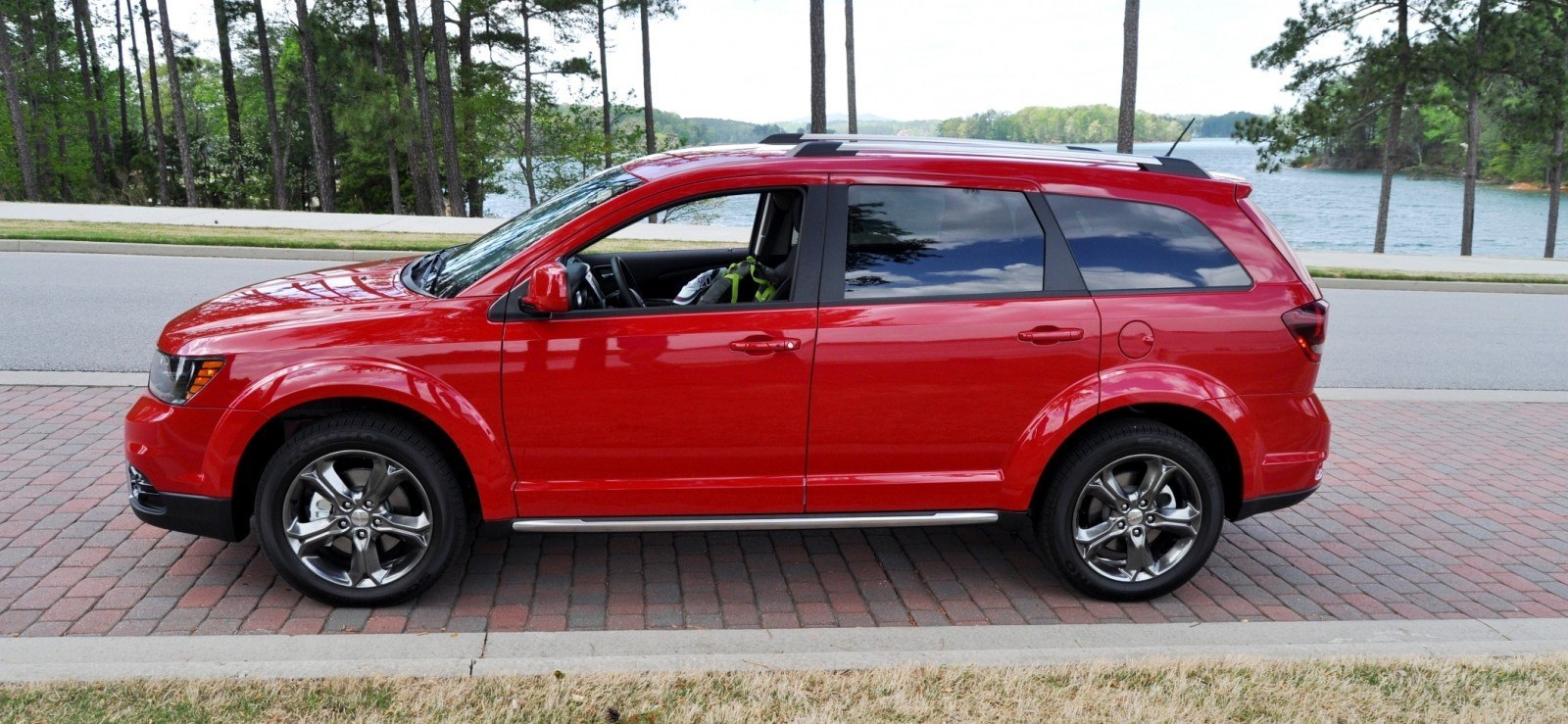 Road Test Review - 2014 Dodge Journey Crossroad - We Would Cross the Road to Avoid 26