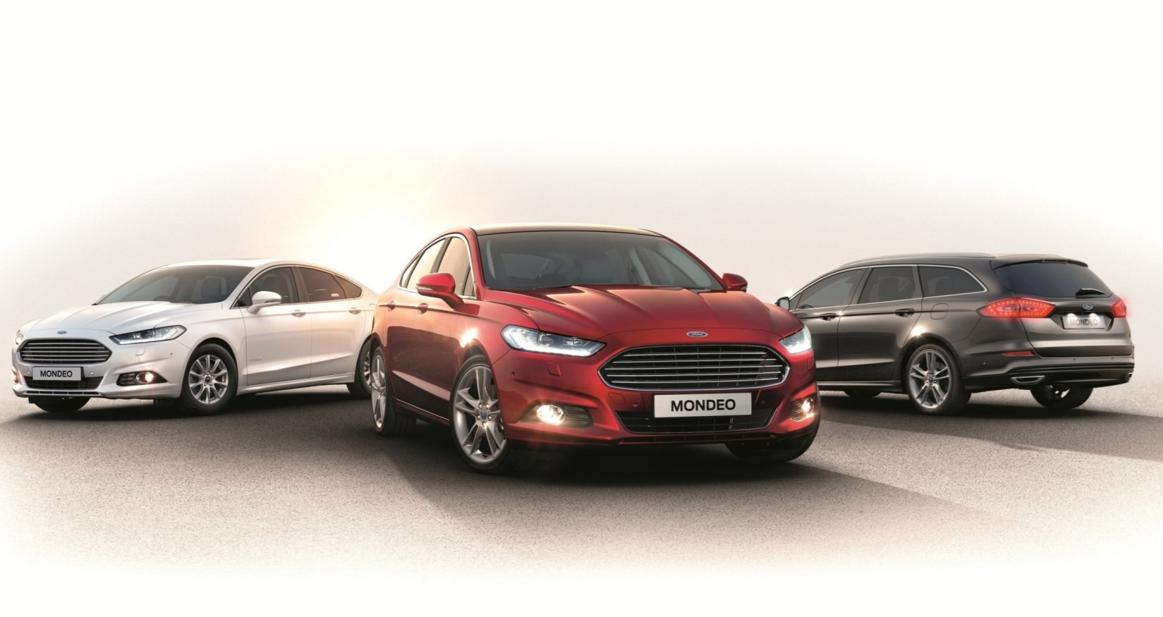2015 ford mondeo brings new led headlights redesigned steering and suspension. Black Bedroom Furniture Sets. Home Design Ideas