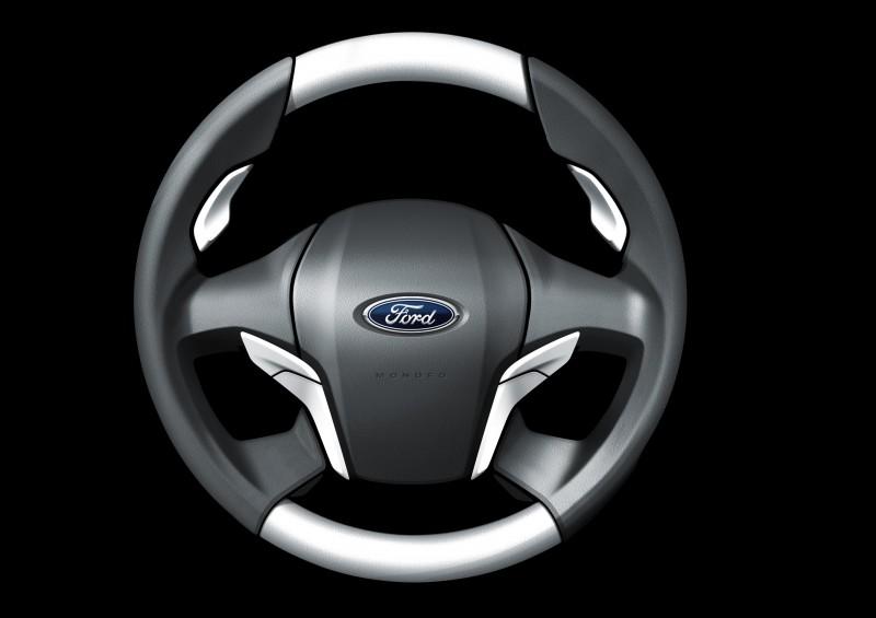 2016 Ford Taurus 45