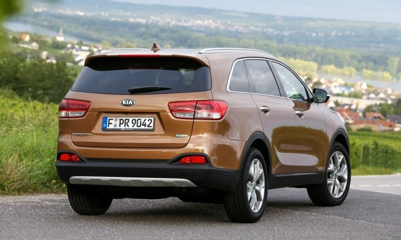 2016 Kia Sorento Debuts in Paris With Jaguar-Baiting Style at Ford Prices 39