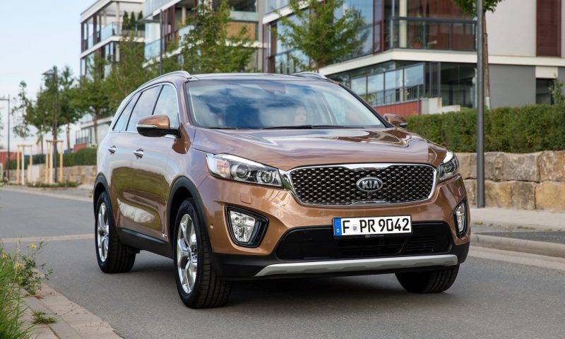 2016 Kia Sorento Debuts in Paris With Jaguar-Baiting Style at Ford Prices 41