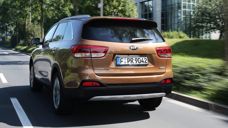 2016 Kia Sorento Debuts in Paris With Jaguar-Baiting Style at Ford Prices 54