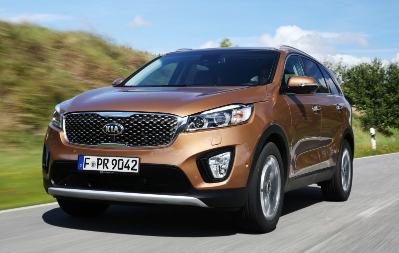 2016 Kia Sorento Debuts in Paris With Jaguar-Baiting Style at Ford Prices 55