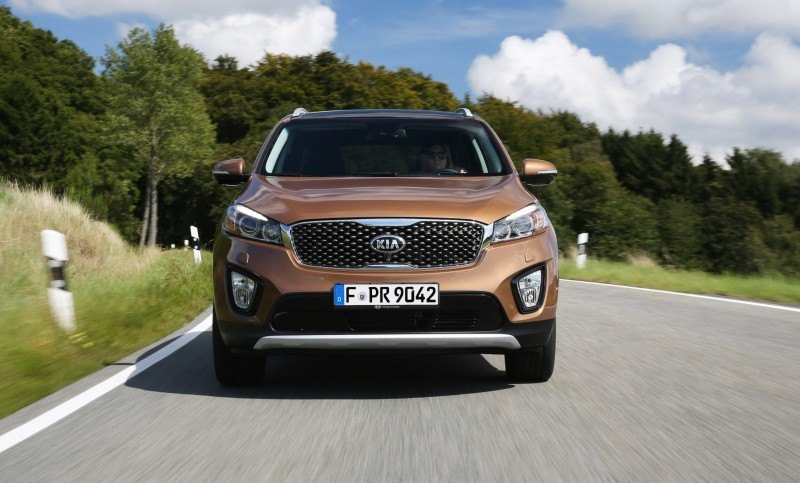 2016 Kia Sorento Debuts in Paris With Jaguar-Baiting Style at Ford Prices 56