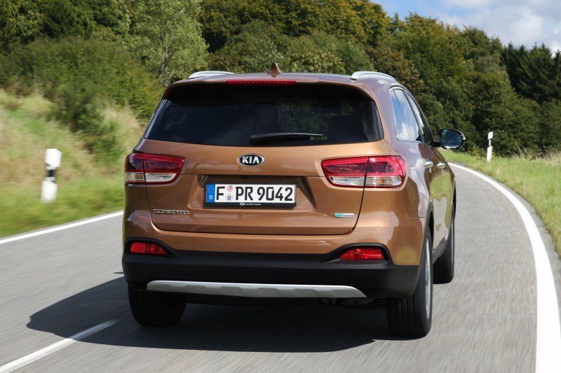 2016 Kia Sorento Debuts in Paris With Jaguar-Baiting Style at Ford Prices 59