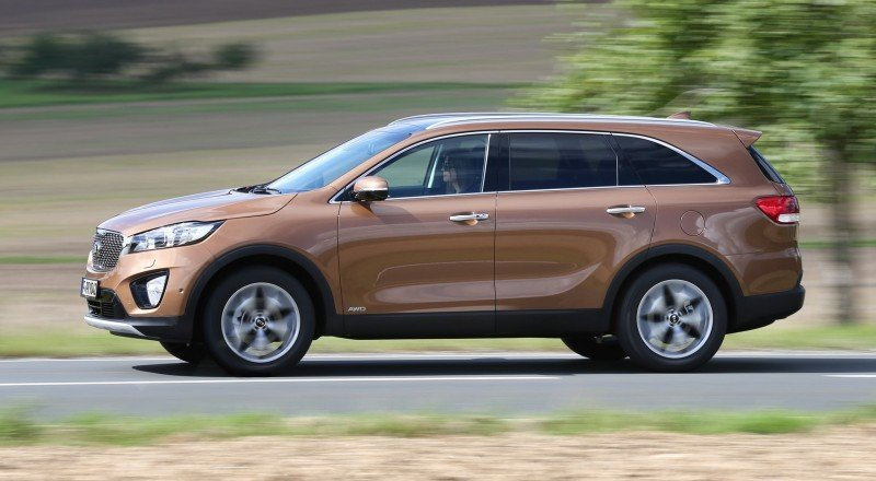 2016 Kia Sorento Debuts in Paris With Jaguar-Baiting Style at Ford Prices 63