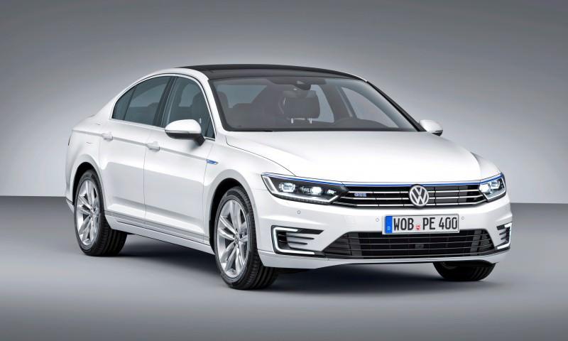 2016 Volkswagen Passat GTE Plug-In Hybrid  1