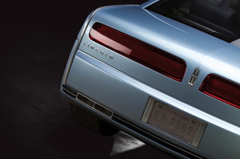 2002 Lincoln Continental Concept 10
