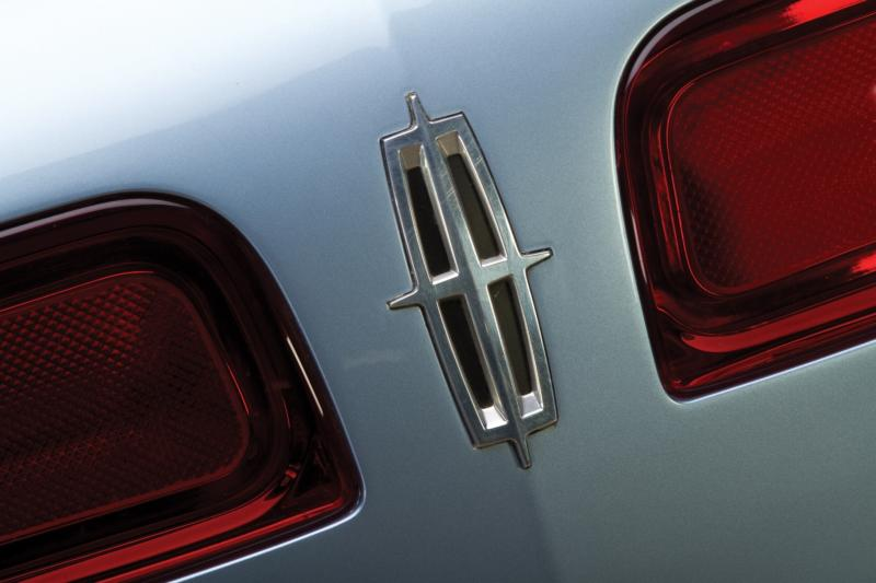 2002 Lincoln Continental Concept 11