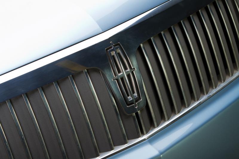2002 Lincoln Continental Concept 6