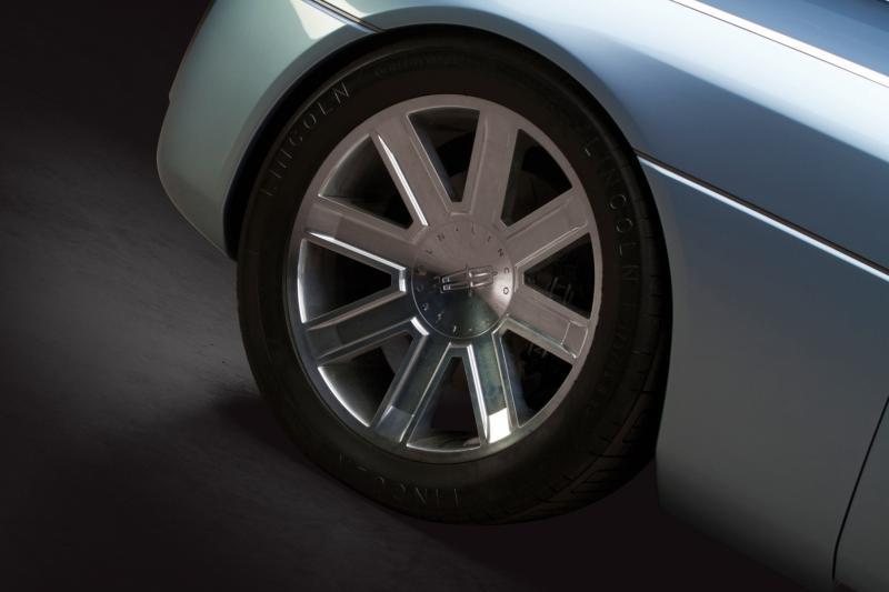2002 Lincoln Continental Concept 8