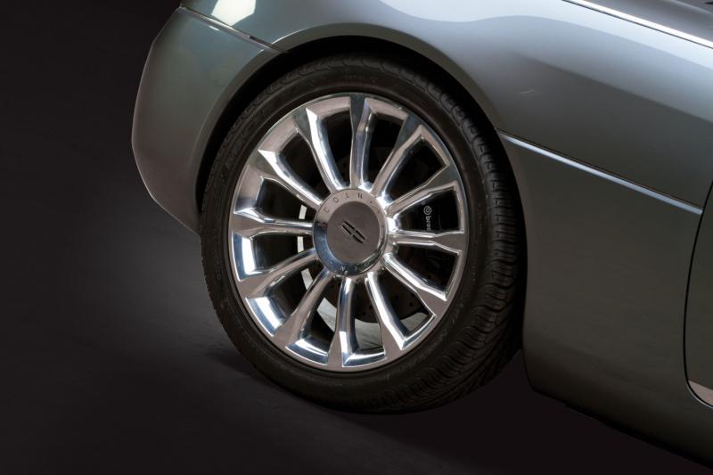 2004 Lincoln Mark X Concept 8