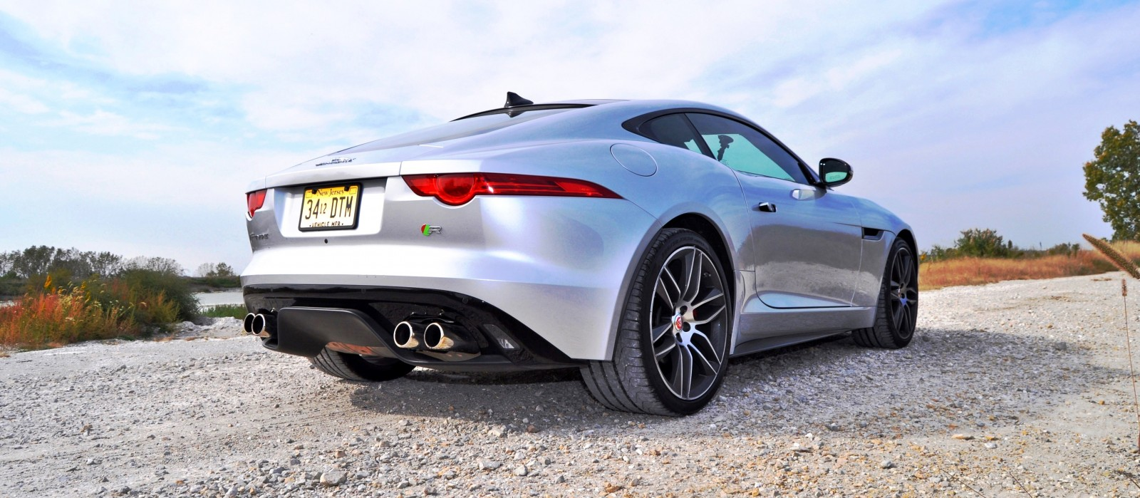 2015 JAGUAR F-Type R Coupe5