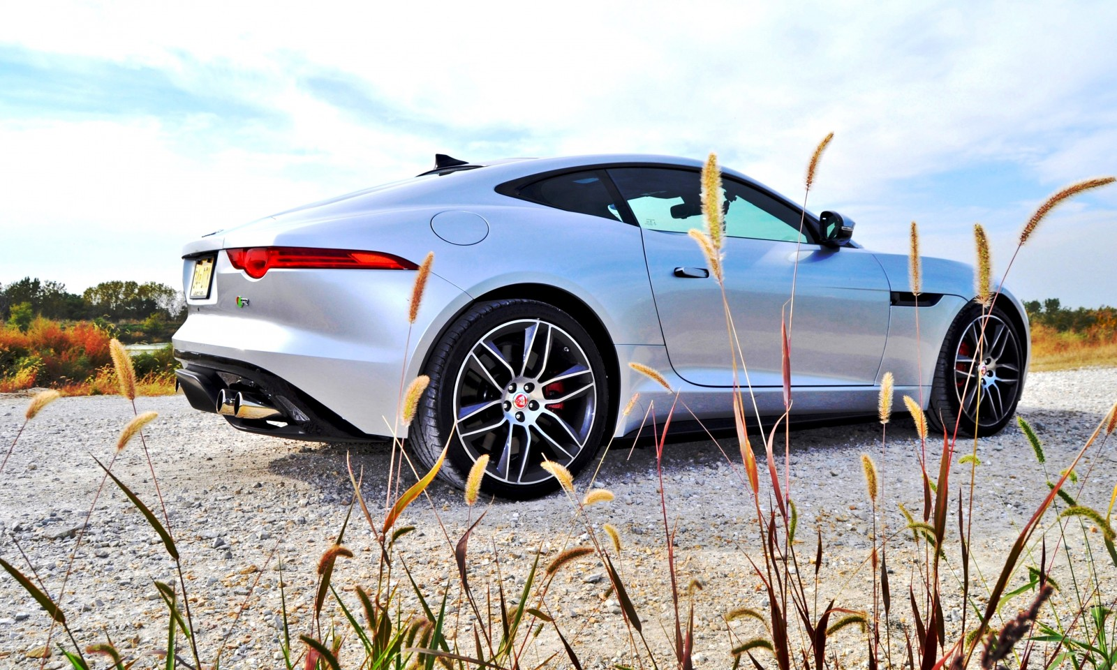 2015 JAGUAR F-Type R Coupe6