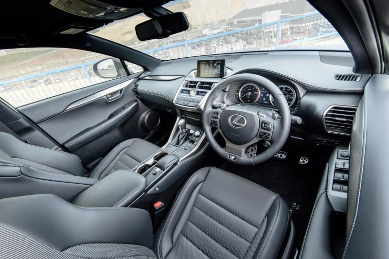 2015 Lexus NX300h F Sport 10