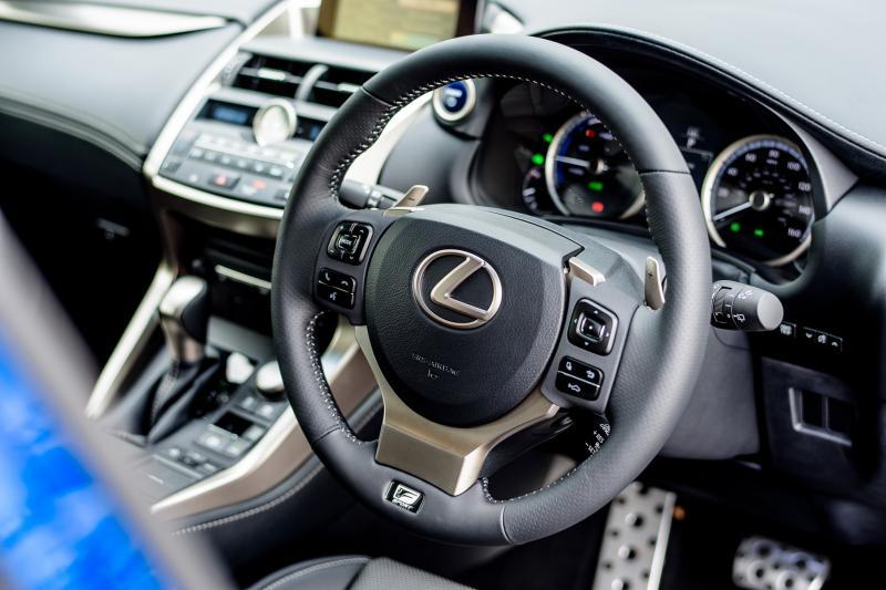 2015 Lexus NX300h F Sport 12