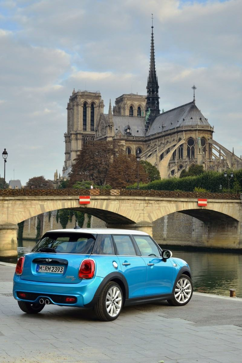 2015 MINI Cooper 5-Door in Postcard-Worthy Trip Around The City of Light 10